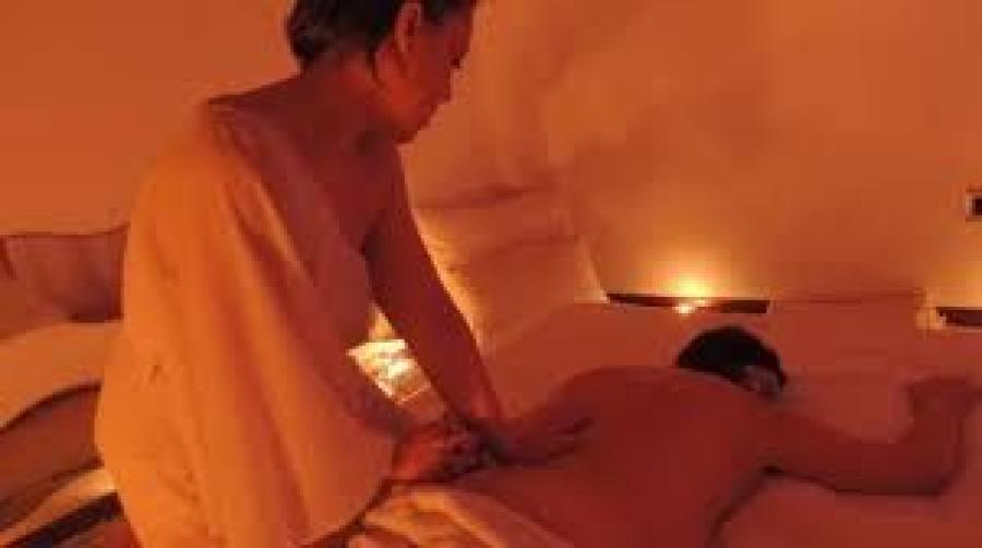 uomini che cercano uomini centro massaggi sensuali